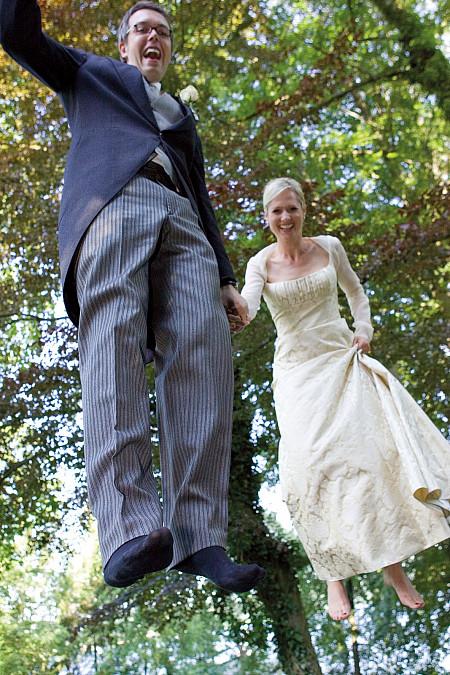 Brautpaar Trampolin